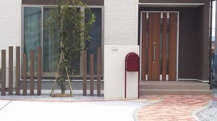 塗り仕上げ門柱