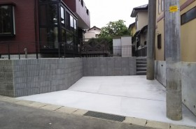 庭を駐車スペースへ