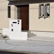 塗り壁門柱